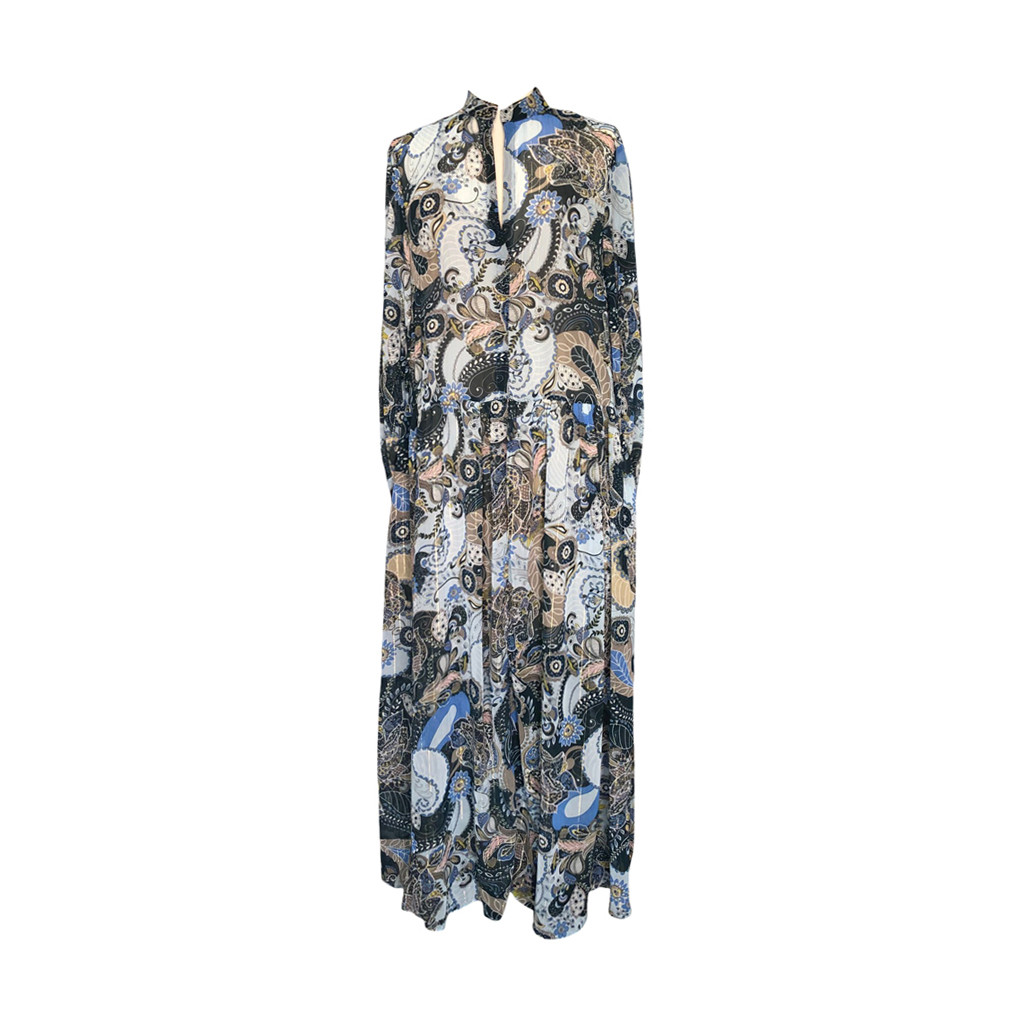 A. Lang brokade kjole