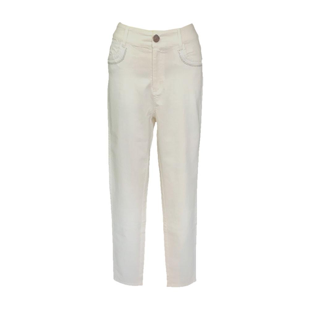B. Jeans stretch