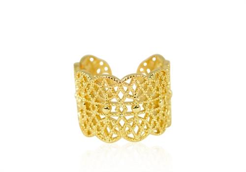 C. Ring i guld