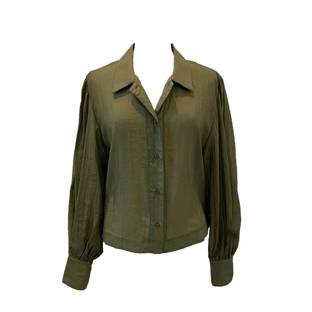 A. Kort skjorte