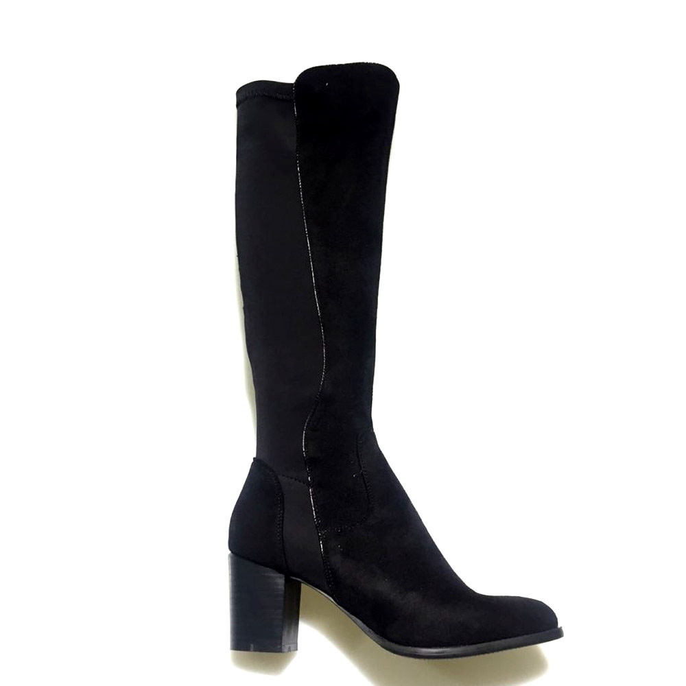 A. Lange sorte støvler
